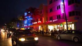 Ночная жизнь на океане управляет улицей, южным пляжем, Майами сток-видео