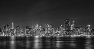 Ночное видение восточного Манхэттена стоковое изображение rf