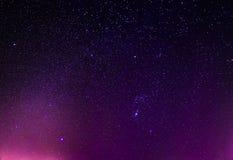 Ночное небо играет главные роли предпосылка Стоковое Изображение RF