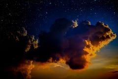 ночное небо молнии иллюстрации абстракции Стоковые Изображения