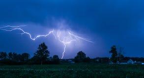 ночное небо молнии иллюстрации Стоковое Изображение RF