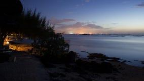 Ночное небо на канонирах Маврикии Pointe пляжа вспомогательных Стоковые Изображения