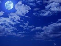 ночное небо полнолуния Стоковые Изображения RF