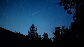 Ночное небо со звездами, видео- промежуток времени видеоматериал