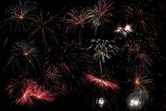 Ночное небо с фейерверками Стоковая Фотография RF