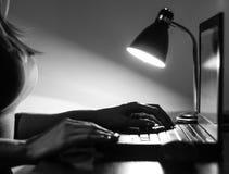 ночной офис Стоковая Фотография