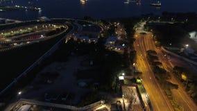 Ночь воздушное Mooving Сингапура, который нужно перенести съемка Коммерчески порт Сингапура акции видеоматериалы