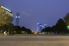 Ночь горизонта Сучжоу стоковая фотография