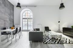 нутряная просторная квартира самомоднейшая Стоковая Фотография