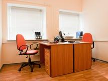 нутряное самомоднейшее рабочее место офиса Стоковая Фотография