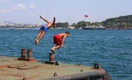 Нырять в Bosphorus Стоковое Изображение