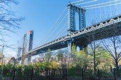 Нью-Йорк, Бруклинский мост, более низкое Манхаттан, США стоковое фото