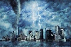 Нью-Йорк во время тяжелых шторма, дождя и освещения в Нью-Йорке стоковая фотография rf