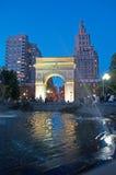 Нью-Йорк: горизонт, небоскребы и свод Вашингтона квадратный 15-ого сентября 2014 Стоковые Фото