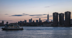 Нью-Йорк - городской взгляд захода солнца Манхаттана Стоковое фото RF
