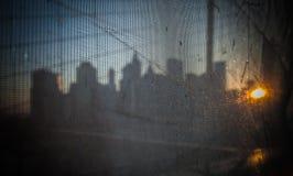 Нью-Йорк - городской взгляд Манхаттана от ручейка Стоковые Фотографии RF