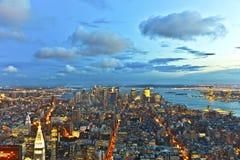 Нью-Йорк к ноча от Имперского штата Стоковые Фото