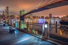 Нью-Йорк на ноче, Бруклинский мост Стоковые Фотографии RF