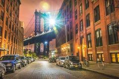 Нью-Йорк на ноче, мост Манхаттана Стоковое Фото