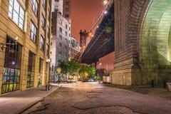 Нью-Йорк на ноче, мост Манхаттана Стоковая Фотография