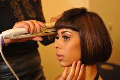 НЬЮ-ЙОРК - 8-ОЕ АВГУСТА: Модельный получая готовый кулуарный наверху модельный Latina 2014 Стоковые Фото