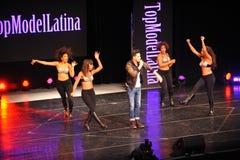 НЬЮ-ЙОРК - 8-ОЕ АВГУСТА: Представления наверху модельный Latina 2014 Стоковое фото RF