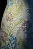 НЬЮ-ЙОРК - 22-ОЕ АПРЕЛЯ: Bridal платье на манекене для представления Claire Pettibone bridal Стоковые Изображения RF