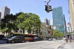 Нью-Йорк, 2-ое июля: Взгляд публичной библиотеки в Манхаттане от Нью-Йорка в Соединенных Штатах Стоковые Фото