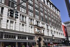 Нью-Йорк, 2-ое июля: Магазин ` s Macy от квадрата глашатого в центре города Манхаттане от Нью-Йорка в Соединенных Штатах Стоковое Изображение