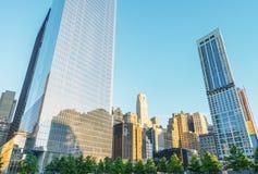 НЬЮ-ЙОРК - 12-ОЕ ИЮНЯ 2013: Мемориал NYC 9/11 на мире Trad Стоковая Фотография RF