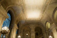 Нью-Йорк, Нью-Йорк, 15-ое января 2014: Публичная библиотека Нью-Йорка стоковые фото
