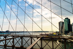 Нью-Йорк от Бруклинского моста Стоковая Фотография