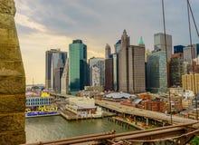 Нью-Йорк от Бруклинского моста Стоковые Фотографии RF