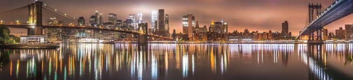 Нью-Йорк, панорама ночи, Бруклинский мост Стоковая Фотография RF