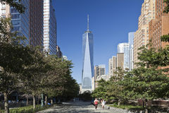 НЬЮ-ЙОРК, США - башня свободы в более низком Манхаттане Стоковое Фото