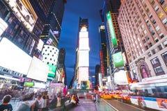 Нью-Йорк, США, 09-03-17: долгая выдержка известного squre времени на ni Стоковая Фотография