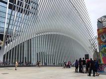 Нью-Йорк, США - 19-ое июля 2018 Взгляд Oculus, эпицентра деятельности транспорта в более низком Манхаттане, Нью-Йорке Стоковое Фото