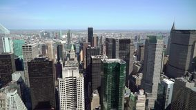 НЬЮ-ЙОРК, США - 5-ОЕ МАЯ 2019: Верхний вид с воздуха на Манхэттене в Нью-Йорке сток-видео
