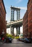 НЬЮ-ЙОРК, США - 8-ое сентября 2016: Мост Манхаттана от занятого стоковое фото
