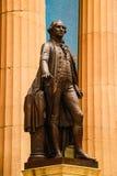 Нью-Йорк, США - 2-ое сентября 2018: Фасад федерального Hall со статуей на фронте, Манхэттеном Вашингтона, Нью-Йорком стоковые изображения