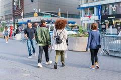 НЬЮ-ЙОРК, США - 3-ЬЕ ИЮНЯ 2018: Сцена улицы Манхаттана Парк соединения квадратный стоковые изображения rf