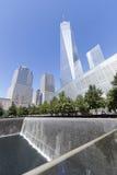 НЬЮ-ЙОРК, США - SEPT. 27: Увиденный мемориал 11-ое сентября NYC Стоковые Изображения RF