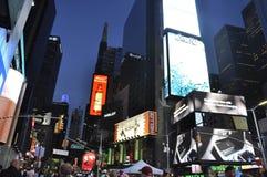 Нью-Йорк, 3-ье июля: Таймс площадь к ноча в центре города Манхаттане от Нью-Йорка в Соединенных Штатах Стоковые Изображения RF