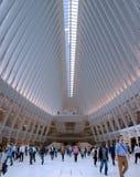 Нью-Йорк - эпицентр деятельности транспорта всемирного торгового центра стоковое фото