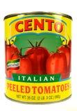 Нью-Йорк, NY, крупный план США 2-ое декабря 2014 чонсервной банкы итальянки Cento слез томаты на белой предпосылке Стоковое Изображение RF