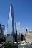 Нью-Йорк, NY, США - 15-ое августа 2015: Всемирный торговый центр 1, 9/11 мемориальное и музей, 15-ое августа 2015 Стоковое Изображение RF