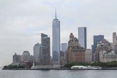 Нью-Йорк, NY/USA - около июль 2013: Один всемирный торговый центр в Манхаттане, Нью-Йорке Стоковое Изображение RF