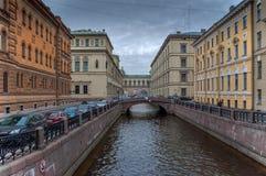 Оба берега зимы направляют обваловку в Санкт-Петербурге Стоковое Изображение