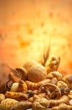 обвалите различные продукты в сухарях группы Стоковое Фото