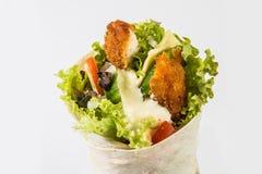 обвалите обруч в сухарях томата шпината сандвича здорового лука hame вкусной еды плоский зажженный красный Стоковые Изображения